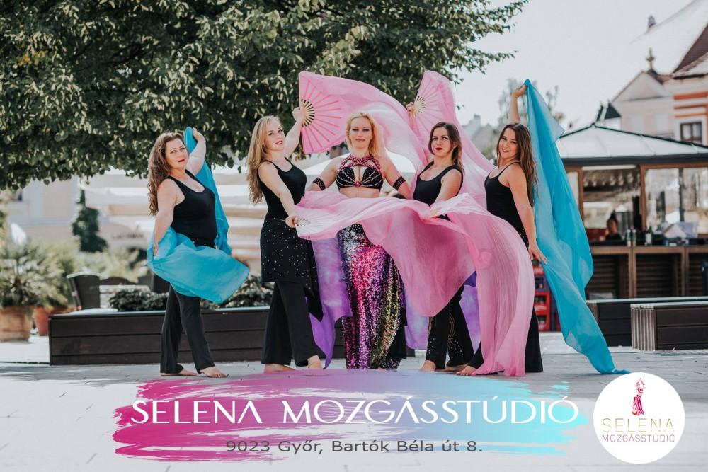 Selena-Facebook kreatív
